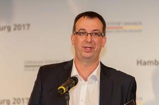 CCO Dirk Meinkers von Rheinbrücke It Consulting bei der Preisverleihung in Hamburg