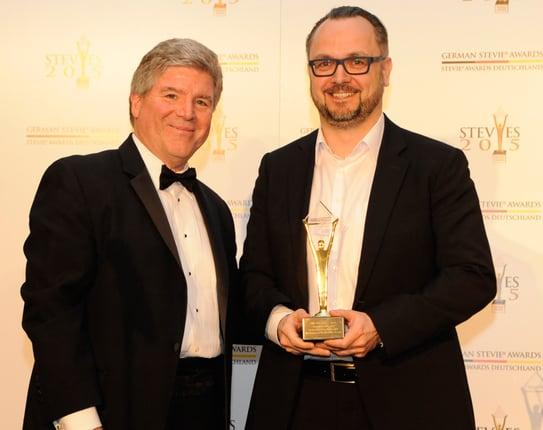 Dr. Lars Vollert von Kemper Kommunikation bei der Preisverleihung der German Stevie Awards 2015