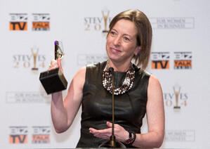 Glückliche Gewinnerin der 11. Stevie Awards for Women in Business